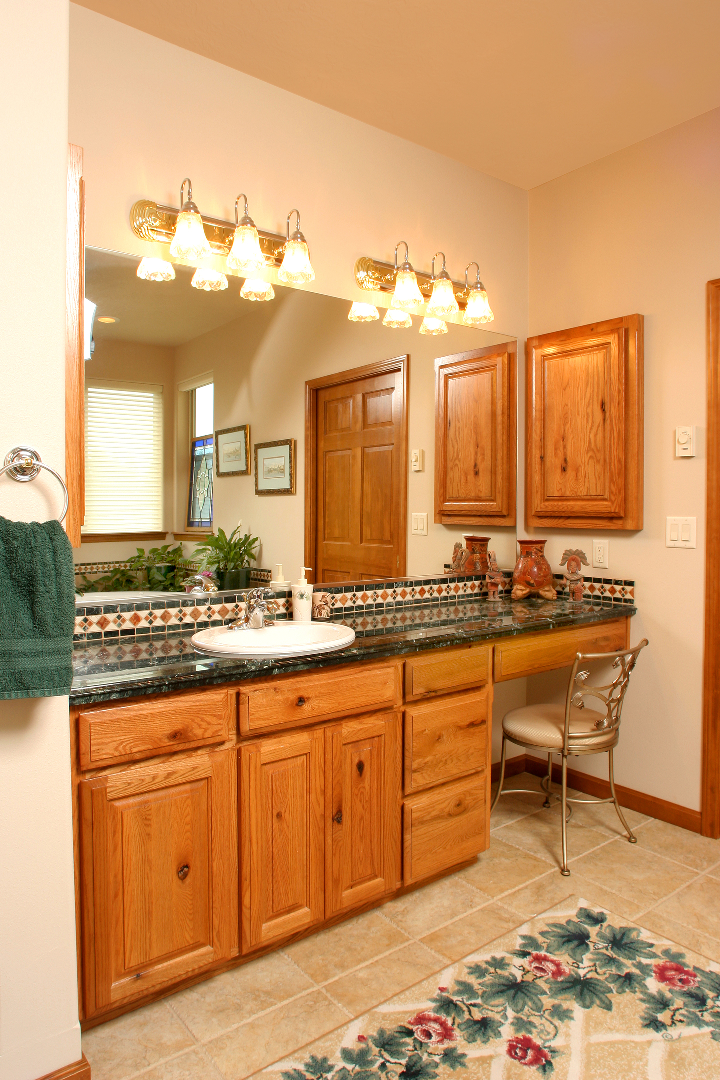 Hickory Kitchen Cabinet Hardware Affordable Custom Cabinets Showroom