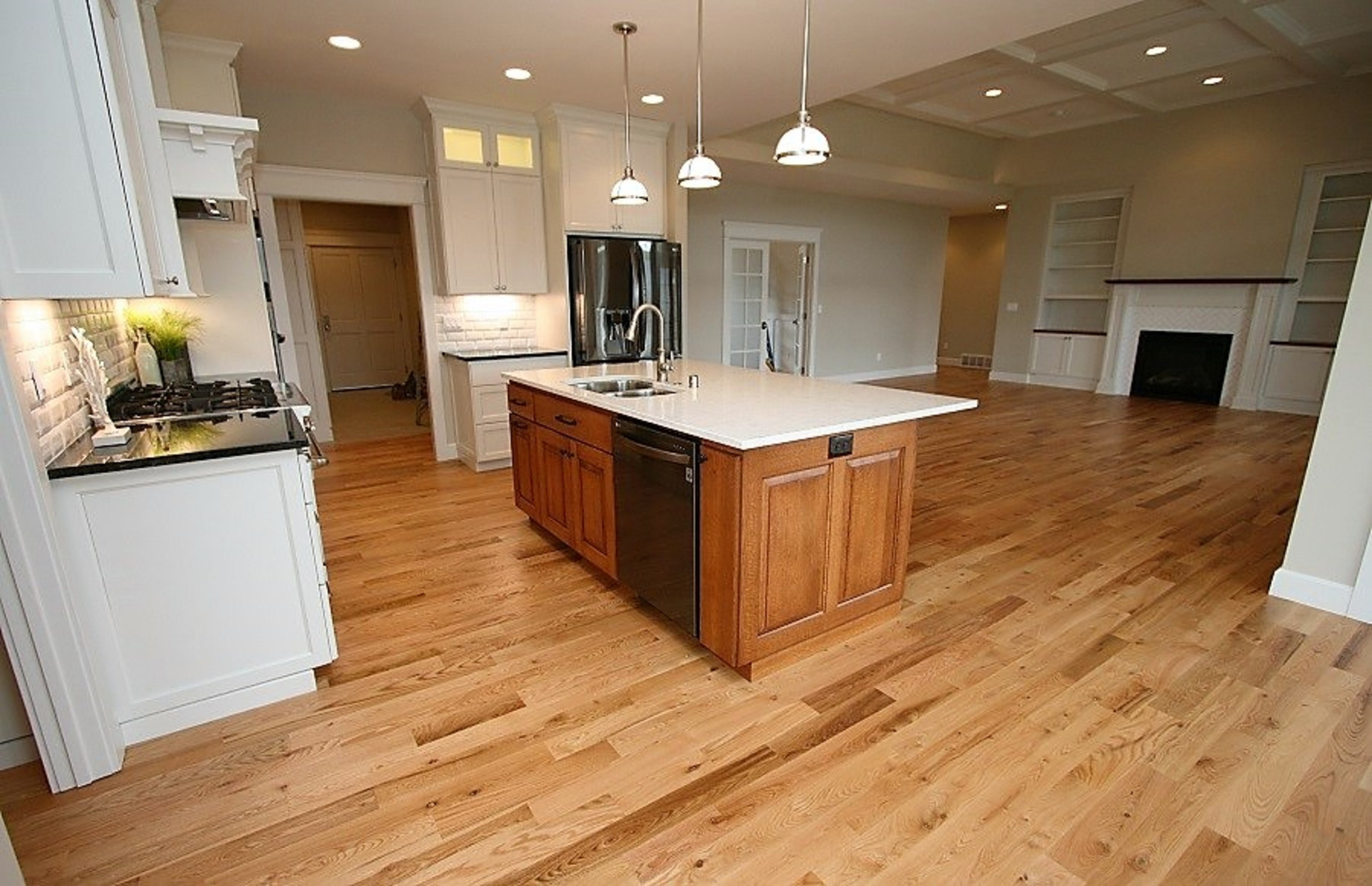 Affordable custom cabinets showroom for Affordable custom kitchen cabinets